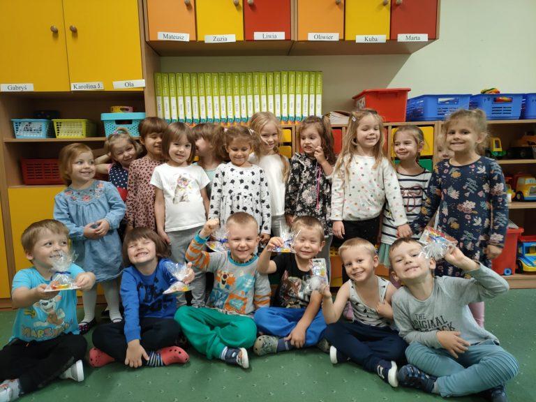 dzieci w grupie